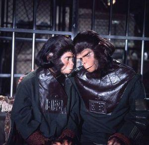 「猿の惑星」コーネリアスとジーラと鳩山夫妻