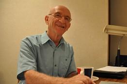 2010年度国際交流基金賞の受賞が決まったイスラエル・ヘブライ大学名誉教授のベン=アミー・シロニーさん(72)。 WSJより