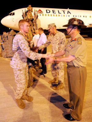 「歓迎! 米海兵隊ローテーション御一行様」 -- 豪ダーウィンに第1陣到着 米豪関係は中国睨んで「新たな章」へ